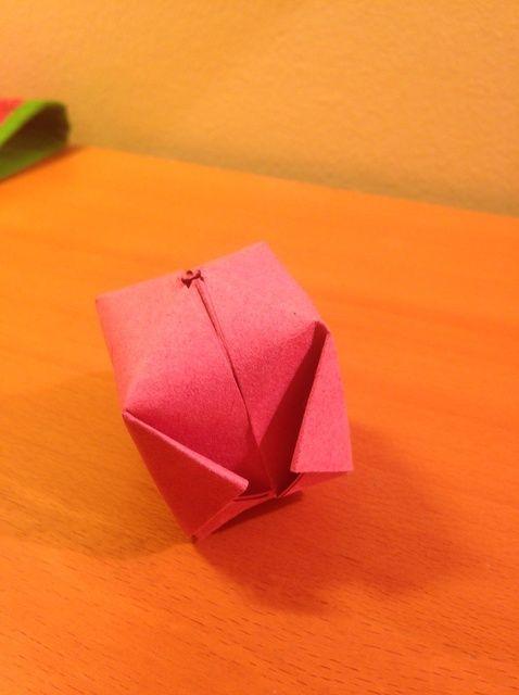 Cómo crear un documento Waterbomb Origami