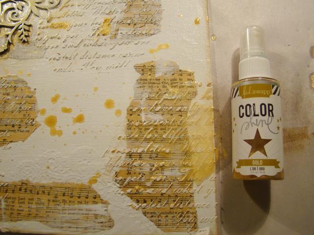 Me encanta aerosol Heidi Swapp Oro. Tiene un brillo tan maravilloso. Aleatoriamente rociar su lienzo, permitir goteos y salpicaduras.