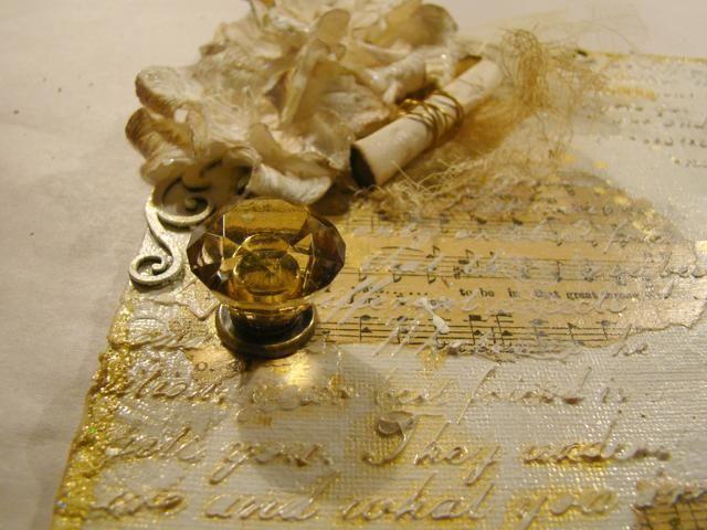 Añadido 7 gitanos perilla de la puerta al fondo del lienzo y anillos de salto sujetado con asst. chucherías y clave.