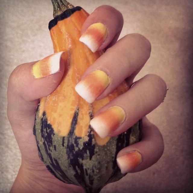 Paso 5: Limpie alrededor de las uñas, la capa superior e ir a disfrutar de la temporada de Halloween ??????