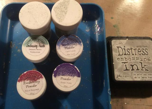Reúne a tus polvos de estampado en relieve y tinta