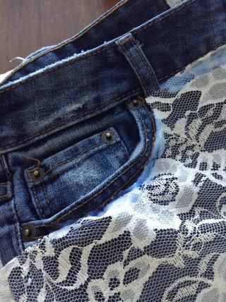 cortar alrededor de los bolsillos y pegamento