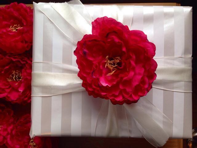 Esta es una hermosa decoración para un regalo de bodas!