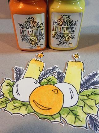 Pintar velas con la tarta del limón Sorbete. Añadir toques de ámbar piedras preciosas para los goteos. Pinte el ornamento del centro con ámbar piedras preciosas.