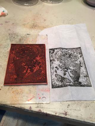 Selle la imagen en una hoja de papel de seda blanco. Me gusta usar la tinta Versifine porque tiene capacidad para ser pintado.