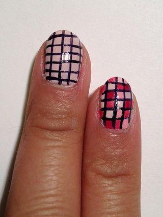 Dibuja en línea horizontal hasta que tenga un patrón nevera en toda la uña.