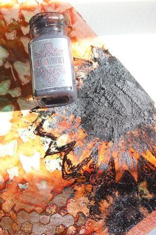Solía Efectos de piedra en la lava por el centro de ambas flores. Me apliqué con una herramienta de paleta. Y lo puso en muy gruesa por lo que sería dimensional.