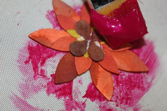 Así que usé Gem dimensional en Rhodolite para cambiar el color de algunas de las flores.
