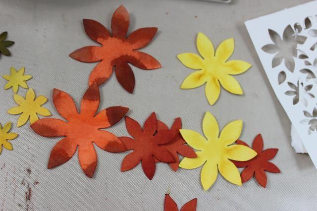 Estas son algunas de las flores que salí de la matriz sentidas creaciones clásico girasol.