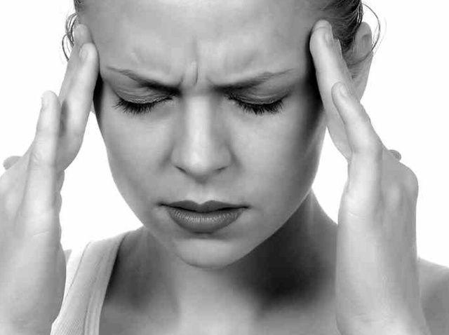 Cómo curar un dolor de cabeza dolorosa
