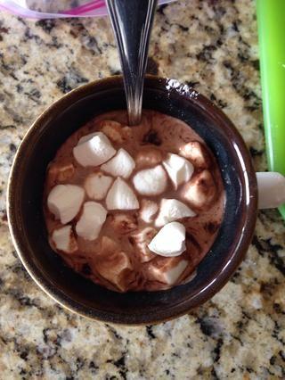 Y en mi chocolate caliente que vayan.