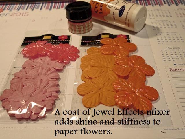 El mezclador de colores que utilicé era rosa por lo que dio las flores de color naranja brillante un brillo ligeramente rosado y profundizó el color de las flores de color rosa.