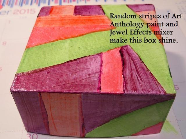 La pintura es muy gruesa y la primera capa puede ser desigual. Si desea un color más sólida, añadir otra capa después de la primera es completamente seco.