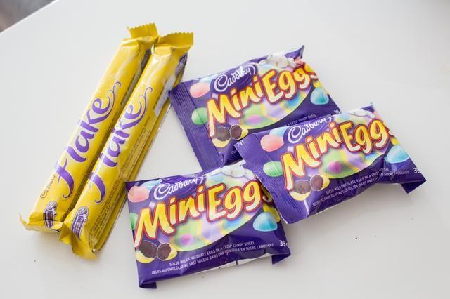 A continuación vamos a añadir nuestro pequeño huevo de Pascua nidos! yo compré