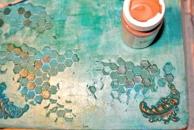 Pintar los adornos y la Embedibles con bronce.