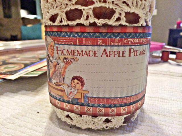 Os adjunto una etiqueta de la Gráfica 45 cartulina en la parte delantera de la jarra.