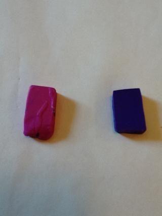 Corte dos o más piezas de arcilla Sculpey