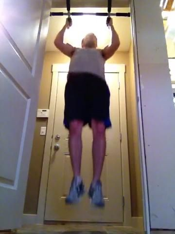 LEG LEVANTAR ROTACIONES - hasta que pueda't do it no mo. If these are easy then keep the legs straight as you raise them.