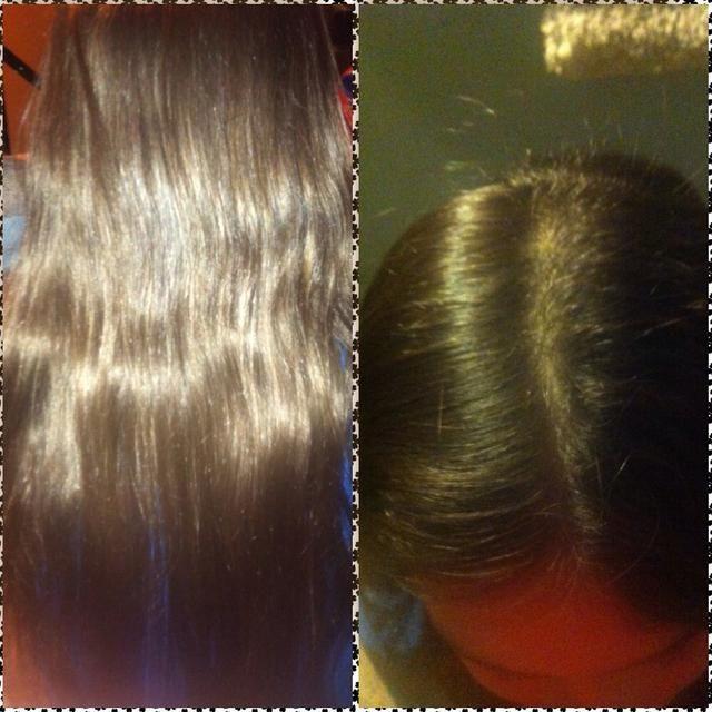 Separe el cabello por la mitad. (incluso si usted generalmente parte a un lado) Nota: se necesita el pelo largo para este peinado para llegar. De lo contrario, tu cabello ganó't wrap around completely.