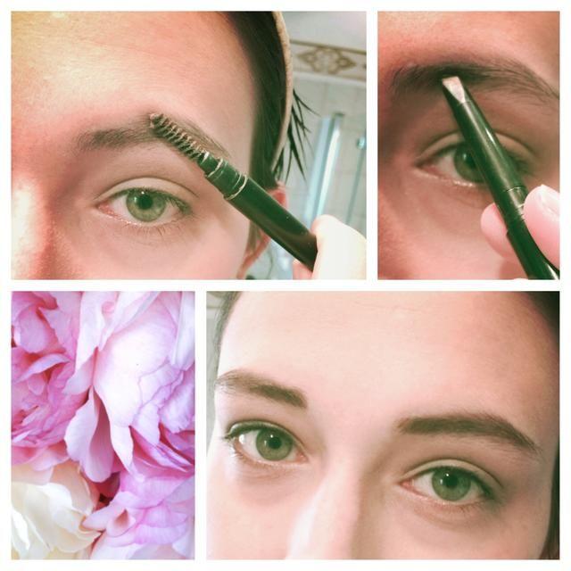 Cepille sus cejas a través y definirlos un poco con cualquier producto de la frente que te guste. Pero asegúrese de que sea sencillo y natural! Nosotros no't want harsh lines!!