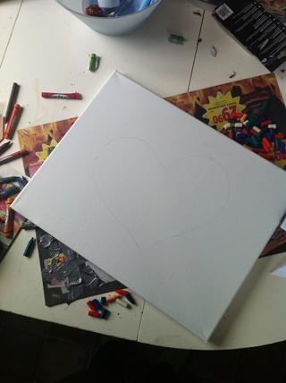 Si usted quiere hacer un corazón o similar, que acaba de dibujar en su lienzo, pero es su elección qué hacer!