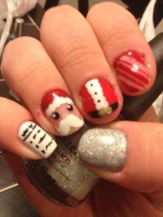 En la lista de deseos de Navidad en el extremo izquierdo Acabo permitió un amigo para hacer swqigglys negro para parecerse a la escritura :) e hice un pulgar holográfica para representar la nieve :)