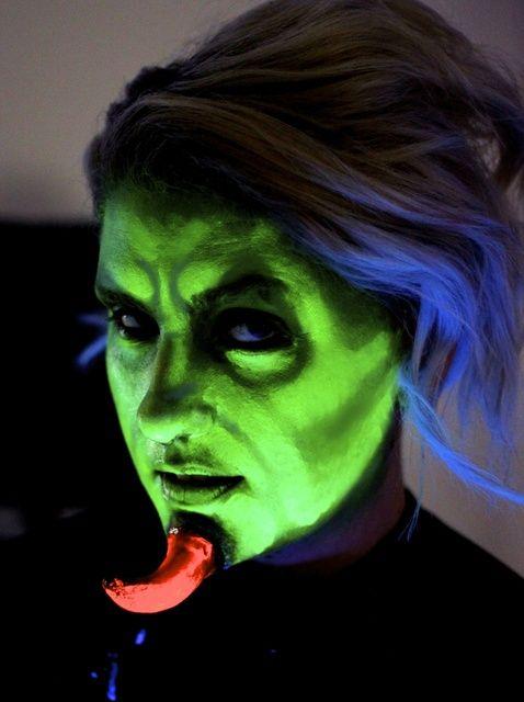 Fotografía - ¿Cómo hacer maquillaje Demon UV-Activado