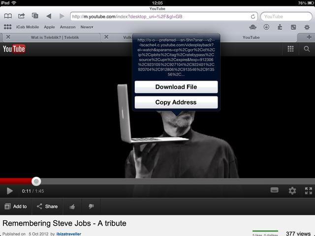 Toque y mantenga en la reproducción de vídeo hasta que aparezca el menú. Grifo'Download File'
