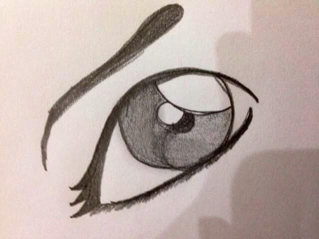Y por fin, dibujar la ceja. Esto tiene un gran efecto en el ojo, dándole más emoción.