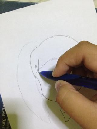 Dibuja flequillo.