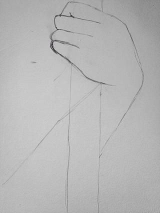 Dibuja una línea recta de luz desde donde la parte inferior de la mano se encuentra con el personal en una línea casi paralela al otro lado del brazo. Me gusta esto.