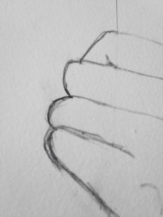 Hacer que los extremos de los nudillos se parecen más realistas. Tenga en cuenta que los dedos aren't exactly round, so make the tops almost flat with curved or straight bits coming off to the rest of the finger.