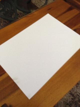 Y, por supuesto, un pedazo de papel