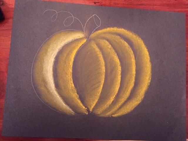 Repita los pasos 13 y 14 para completar su capa de calabazas de color naranja.