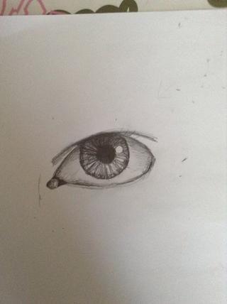 Sombra detrás del círculo en el conducto lagrimal muy oscuro, entonces la sombra en el resto a la ligera. Más oscuro debajo de la tapa del ojo e hizo ningún otro cambio.