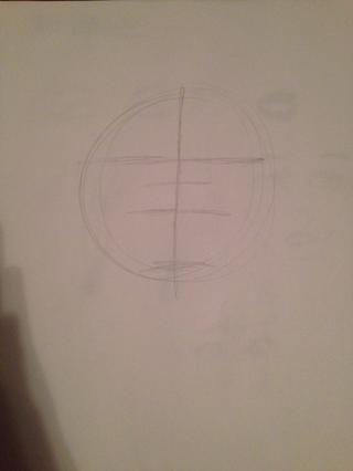 Dibujar líneas en las que desea los ojos, nariz y boca. También hacer una línea por el medio. Recuerde llamar a la ligera!