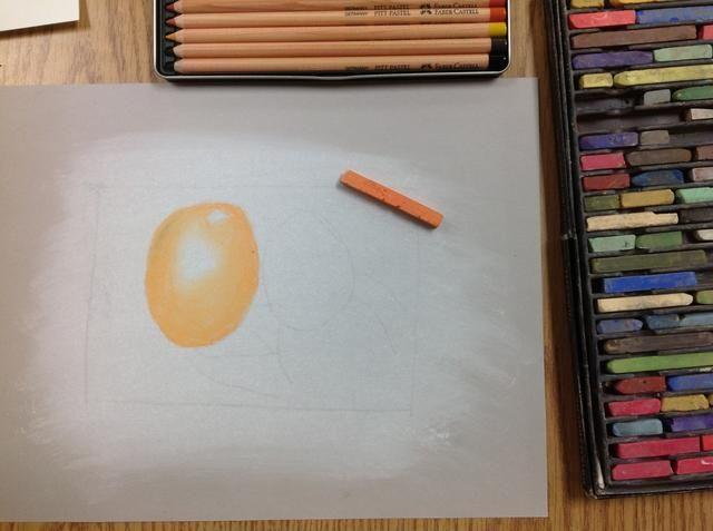 El uso de palillos en colores pastel tiza, aplique el color local. Utilice buena aplicación técnica, incluso, bordes nítidos, incluso gradaciones. Mantenga blanca de debajo de pastel blanco donde los valores de luz son.