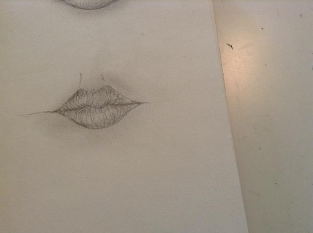 sombra alrededor de toda la boca, y el hecho :) Me encanta dibujar los labios, a pesar de que acabo de empezar, porque son tan divertido!