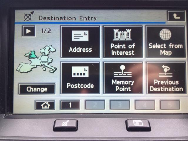 A continuación, elija la dirección, punto de interés (por ejemplo Stonehenge o el baño) o código postal.