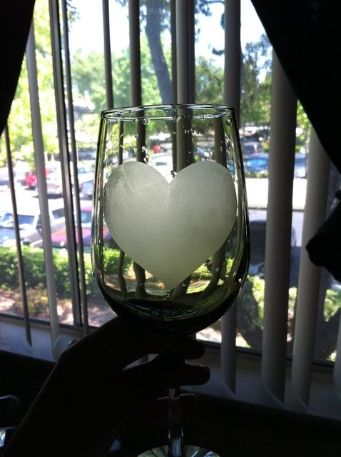 Cómo Etch una copa de vino