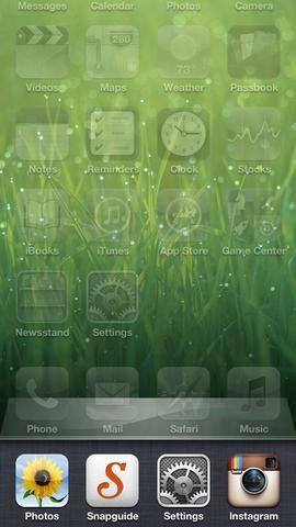 Abra la bandeja multitarea presionando hacia abajo el botón de inicio dos veces. Ahora podrás ver todas las aplicaciones que han dejado abierta.