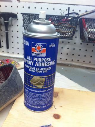 Si usted es ESTUPENDO preocupado por el tejido saliendo, se puede rociar spray adhesivo sobre el área donde el tejido se va.