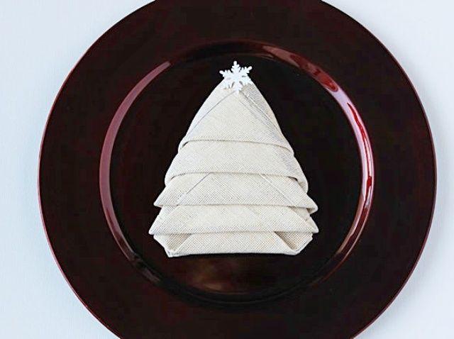 Fotografía - Cómo doblar sus servilletas en un árbol de Navidad