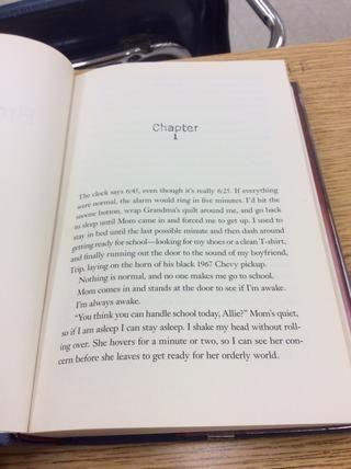 Abra el libro con el capítulo 1 o para el Prólogo y comenzar a leer en un lugar tranquilo que se puede estar cómodo.