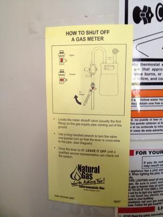 Por cortesía de seguridad medidas- de nuestra compañía de gas local. Lástima que dejase't use Snapguide :)