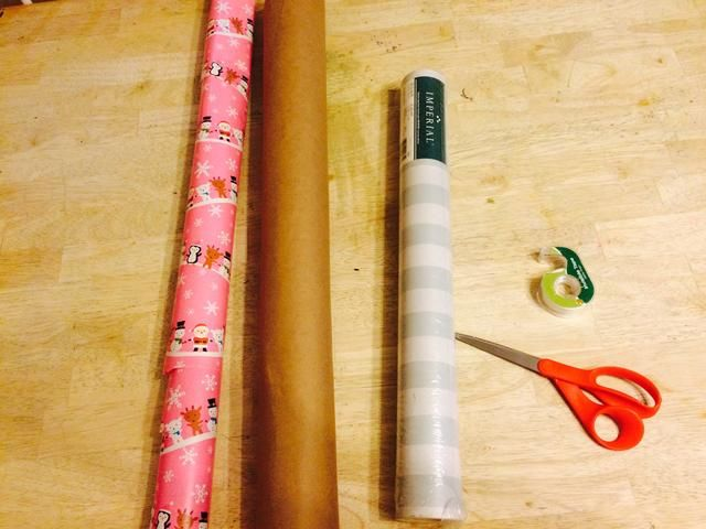 Ahora, si me lo sé'm all about repurposing things. You can use gift wrap paper, craft paper, old roll of wallpaper, magazine paper..the possibilities are endless. Be creative and Repurpose Paper!
