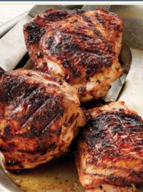 Cómo Grill de pollo Muslos Fácil estilo indio Receta