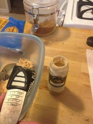 Añadir 1 cucharadita de jengibre para la mezcla.