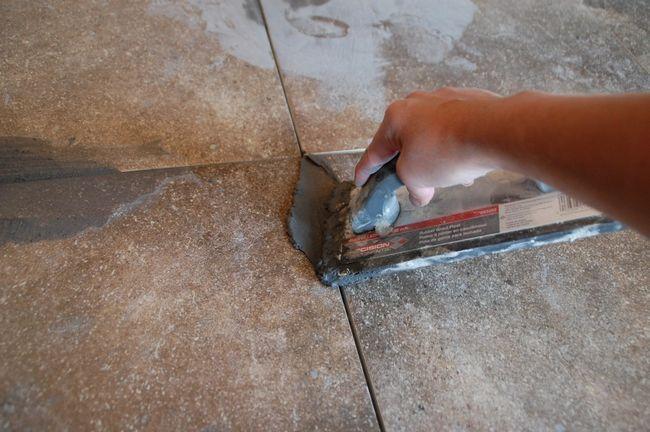 Cómo lechada del azulejo - Float