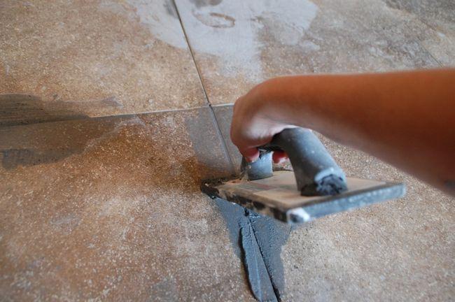 Cómo lechada del azulejo - Swipe